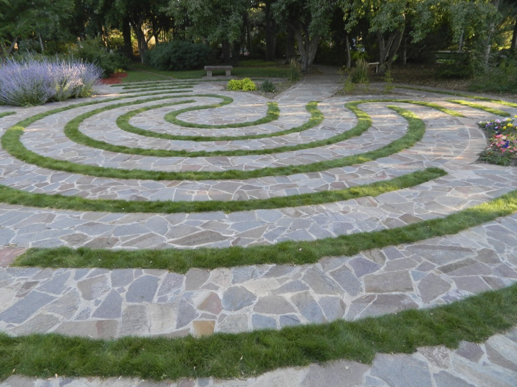 Labyrinth Garden - iStock_000054857988_Medium